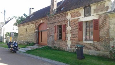 Photo for In a nearby hamlet of the Oise, at the foot of a 15th century chapel,