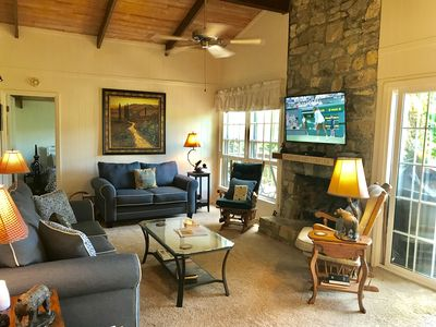 Photo for 3 Bed/2 Bath Sleeps 6, Easy Access, Great View