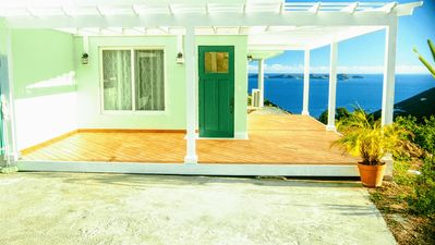 Immaculate Apartment with Beautiful View, near Nanny Cay Marina