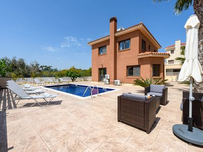Photo for A lovely 4-bedroom villa in Ayia Napa