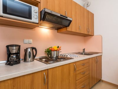 Photo for Apartment Mare 4 in Rab/Kampor - 4 persons, 1 bedrooms