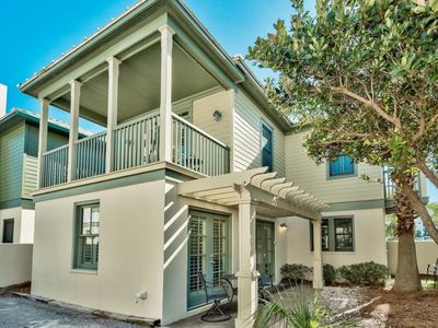 Photo for Elegant beach cottage. Steps to beach, South of 30a.