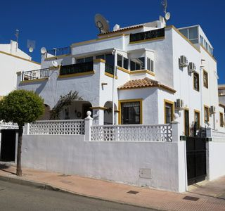 Photo for Modern Comfortable Villa with A/C; Fast Wi-Fi, Close to amenities