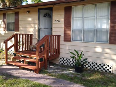 Photo for Affordable living. Quaint retreat near beaches in sunny Florida.