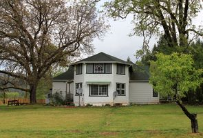 Photo for 5BR Farmhouse Vacation Rental in Cave Junction, Oregon