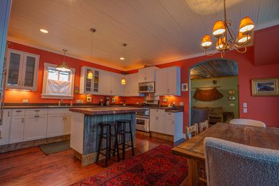 Center island bar, great for socializing while cooking.