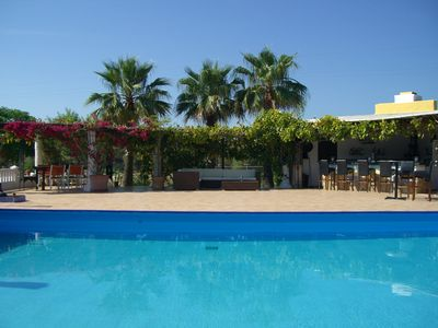 Villa Son Gual golf is 2klm from the golf course and 19  courses within 25 min.