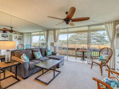 Photo for Bright ocean view condo w/ lanai, many updates & shared pool/grill