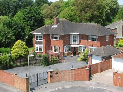 Photo for Windbrake House - Luxury Family Home Close to Seafront near Portsmouth