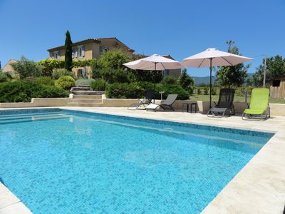 Photo for Beautiful house with pool near a village in the Luberon