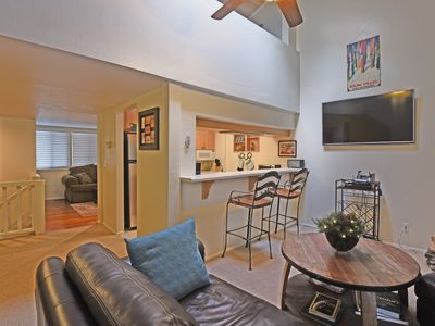 Photo for Charming 3-Story Townhome in Dollar Hill - Pet Friendly
