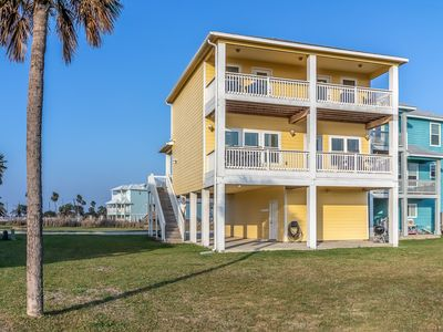 Yellowfin Inn - Beautiful Beach-Side View Private home w/ 2 master suites
