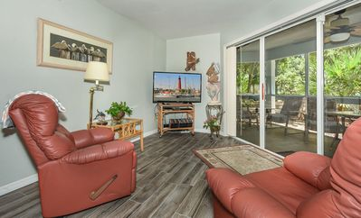 Photo for SV120-Beautifully updated 1 bedroom 1 bath veranda with large screened in patio