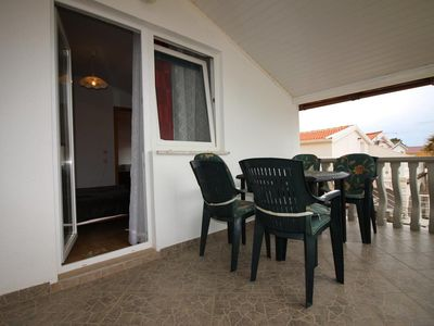 Photo for Two bedroom apartment with terrace and sea view Vir