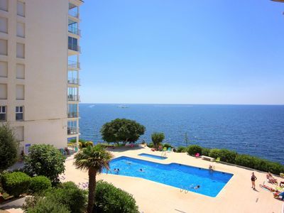 Photo for Apartment with views to the sea
