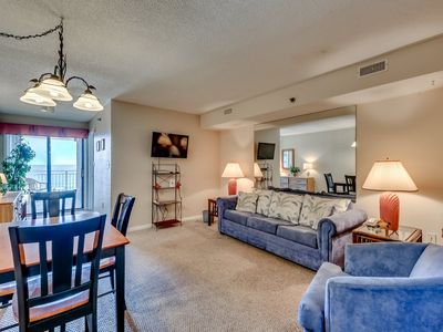 Photo for Comfortable Oceanfront Condo, Outdoor Hot Tub