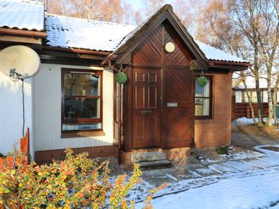 Photo for FOINAVEN, pet friendly, with a garden in Aviemore, Ref 967487