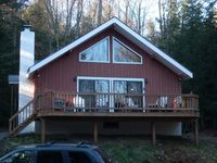 Very nice ski home conveniently located near Stratton, restaurants and grocery store!