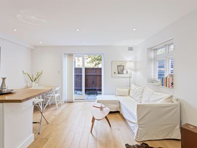 Photo for Lovely 1 Bed Apt w/Patio nr Haggerston