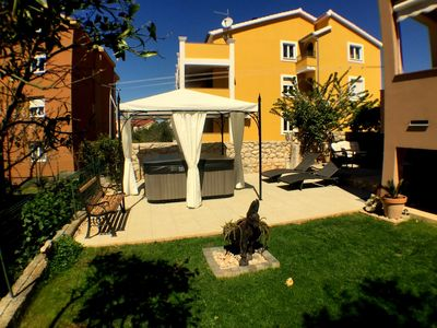 Photo for Apartments and rooms Nives, (2715), Zadar, Zadar riviera, Croatia