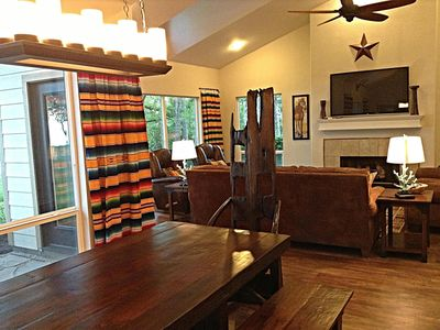 Beachfron waterfront 2 vrbo for Lake texoma cabins with hot tub