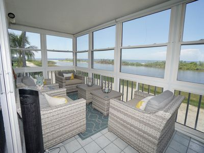 Photo for Luxury 2bedroom beach front end condo