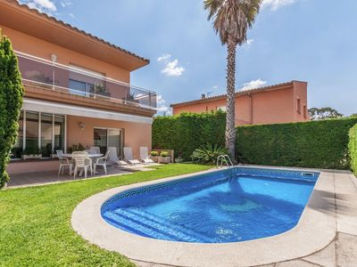 Photo for Fantastic house with private pool for 8 people very close to L'Escala