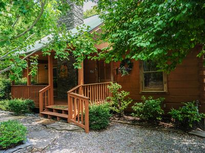 Photo for Tennessee Iris Lodge  - Welcome! We 're expecting you.