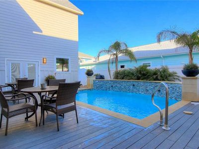 Photo for On Island Time - FREE private golf cart, close to beach, spectacular pool!