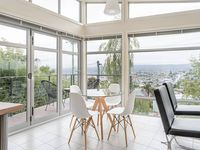 Amazing views, great location, lovely house