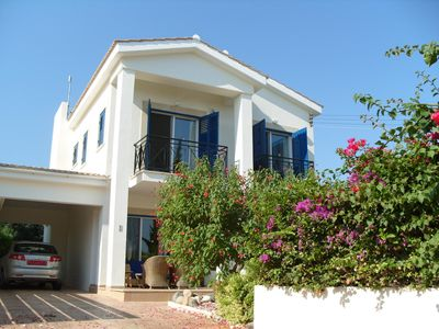 Detached 3 bedroom villa with private pool and gardens, 5 mins walk to the beach