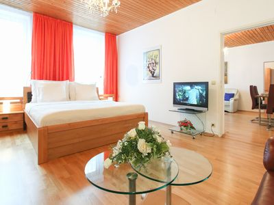 Photo for Spacious Mozart XVI apartment in 05. Margareten with WiFi, air conditioning & lift.