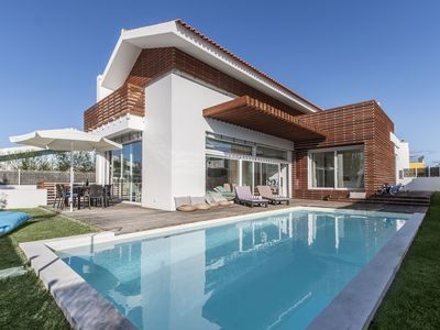 Photo for Luxury villa located at 3 km from the beach of Comporta