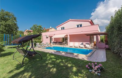 Photo for 5BR House Vacation Rental in Porec
