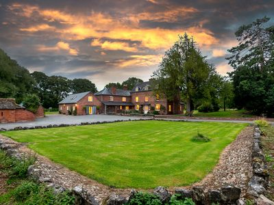 Photo for Luxurious house 9 beds & 9 baths.  Perfect for milestone celebrations & groups.