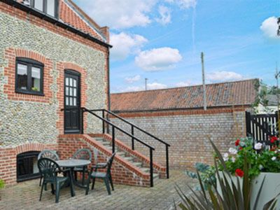 Photo for 1 bedroom accommodation in Wells-next-the-Sea
