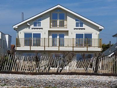Photo for Stunning Open Plan Beach House With Sea View And Direct Access To The Beach