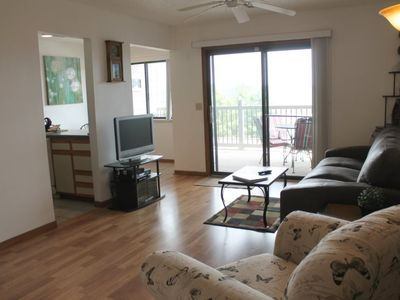Photo for So Cozy! 1 bed 1 bath Condo, Amazing Lake View, Pool, 1 mile Silver Dollar City!
