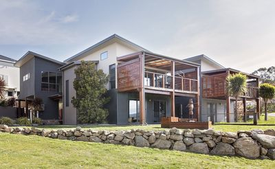 Photo for Ned Kelly's Retreat - Sophisticated style with modern convenience and magical outlook