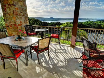 Charming Pet Friendly Hill Country Oasis - with Panoramic Lakeview