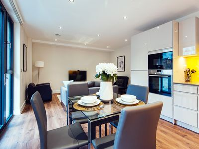 Photo for Awesome Aldgate City Apartment