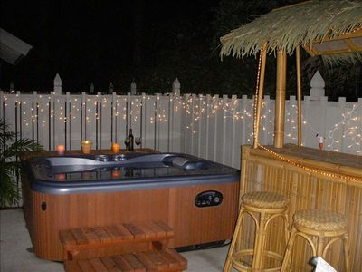 Great hot tub. Kick back and relax, you're on island time!