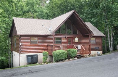 Photo for Very Clean, Excellent Location, One Mile to Dollywood