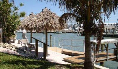 Floating dock and dockside patio with 2 chickee huts; only minutes to the Gulf!