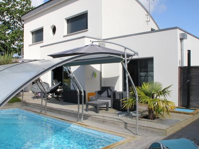 Photo for A qq km of the Gulf of Morbihan and the ocean with indoor heated swimming pool