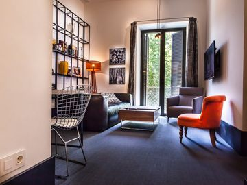 Deluxe and exclusive apartment in the best center of Seville. parking optional