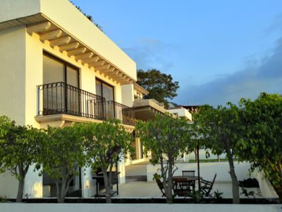 Photo for Beautiful Downtown Villa with Excellent Location!