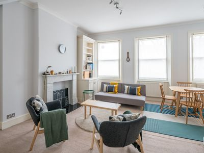 Photo for 2 Bedroom Apartment in Earls Court