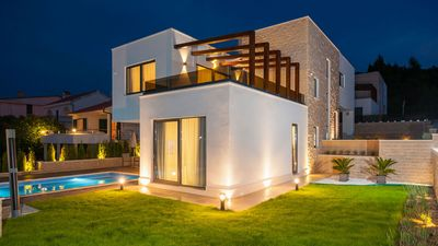 Photo for Luxurious beachfront five star villa Rose EOS-CROATIA