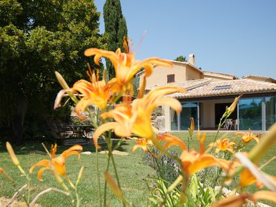 Photo for Villa provencale with large swimming pool and exceptional view on the Mont Ventoux